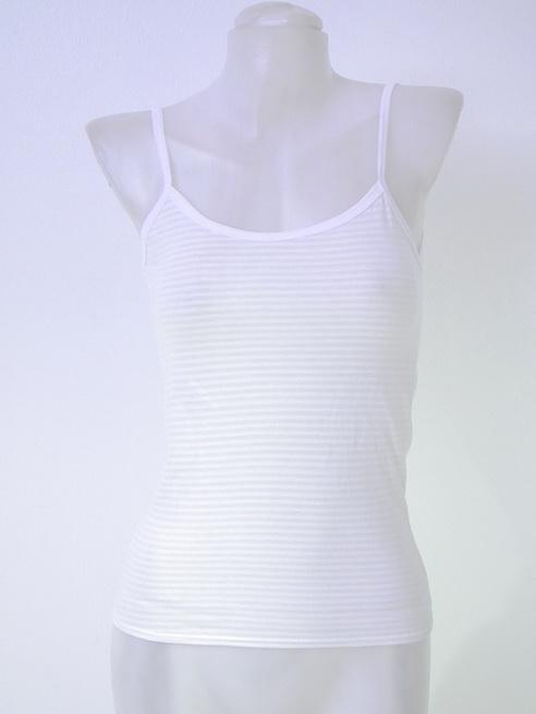 15100 ขายส่งเสื้อผ้าแฟชั่น สายเดี่ยวสีขาว รอบอกยืดได้ 32 นิ้ว