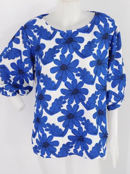 901943 ขายส่งเสื้อผ้าแฟชั่นผ้าเนื้อดี ลายดอก แบบสวยเก๋มากๆ รอบอกฟรีไซส์ รอบอก 32-40 นิ้วใส่ได้ค่ะ ยาว 26 นิ้ว
