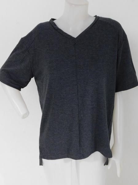 905006 ขายส่งเสื้อเสื้อยืดคอวีสีดำ ผ้าเนื้อดีแบบทันสมัยสุดๆ หน้าสั้นหลังยาว เนื้อนิ่มมากใส่สบายมากค่ะ รอบอก 36-44 นิ้ว