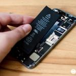 เปลี่ยนแบตไอโฟนด้วยตัวเองต่างจากเข้าศูนย์ iPhone รึไม่ และมีอันตรายมั้ย? (ตอนที่1)
